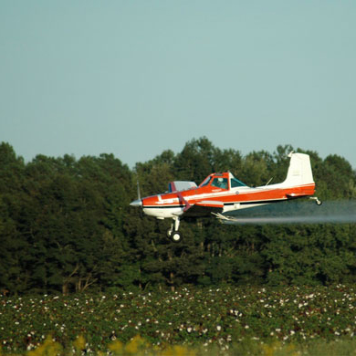 Largage de pesticides par avion