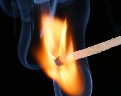 Combustion allumette acide picrique