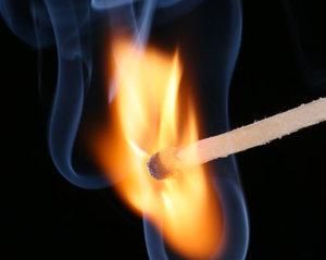 Streichholz Feuer Säure
