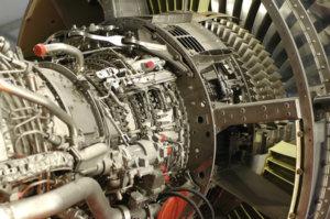 detalle de los componentes del motor a reacción de gran tamaño